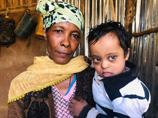 6-yr-old-Tomasa-and-his-mother-sheep-1
